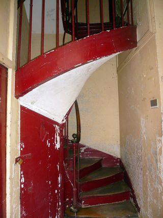 Michel le comte 25 escalier à vis bât central