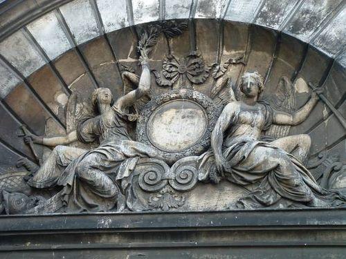 Vieille du temple amelot de bisseuil fronton