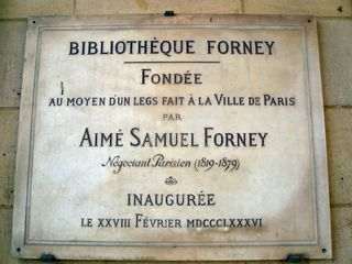 Bibliothèque forney plaque