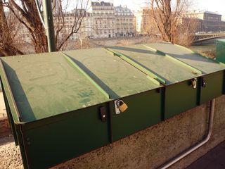 Bouquinistes coffre nouveau classique 11 02 12