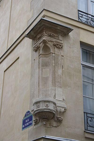 400px-Rue_de_Turenne_ancien_emplacement_statue_de_la_vierge