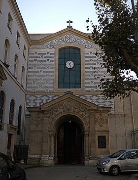 280px-Cathédrale_Sainte-Croix,_Paris_-_Front_View