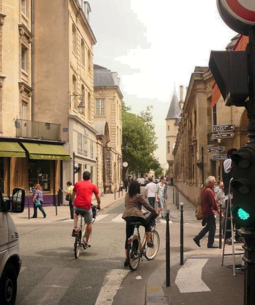 Archives francs-bougeois cycliste pied à terre 18 06 13