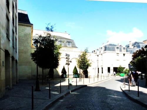 Paris_place_de_thorigny