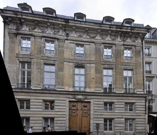 HS 2012-09-14-paris-marais-hotel-de-sandreville_tif