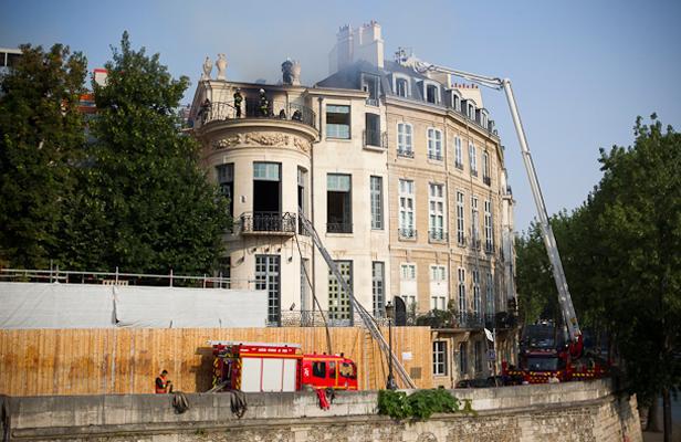 Article_10072013-INCENDIE-HOTEL-LAMBERT-4