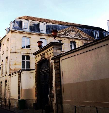 Paris_3_hotel_de_montmorency_1