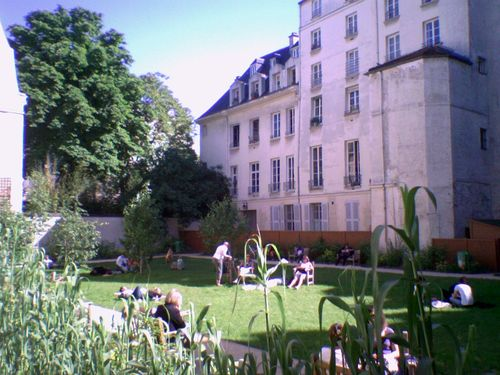 Jardin-francs-bourgeois-rosiers