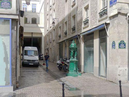 796px-P1100970_Paris_III_passage_du_Pont-aux-Biches-_rwk
