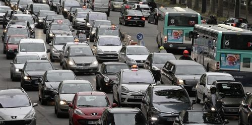 5698727-paris-est-la-ville-francaise-championne-des-embouteillages