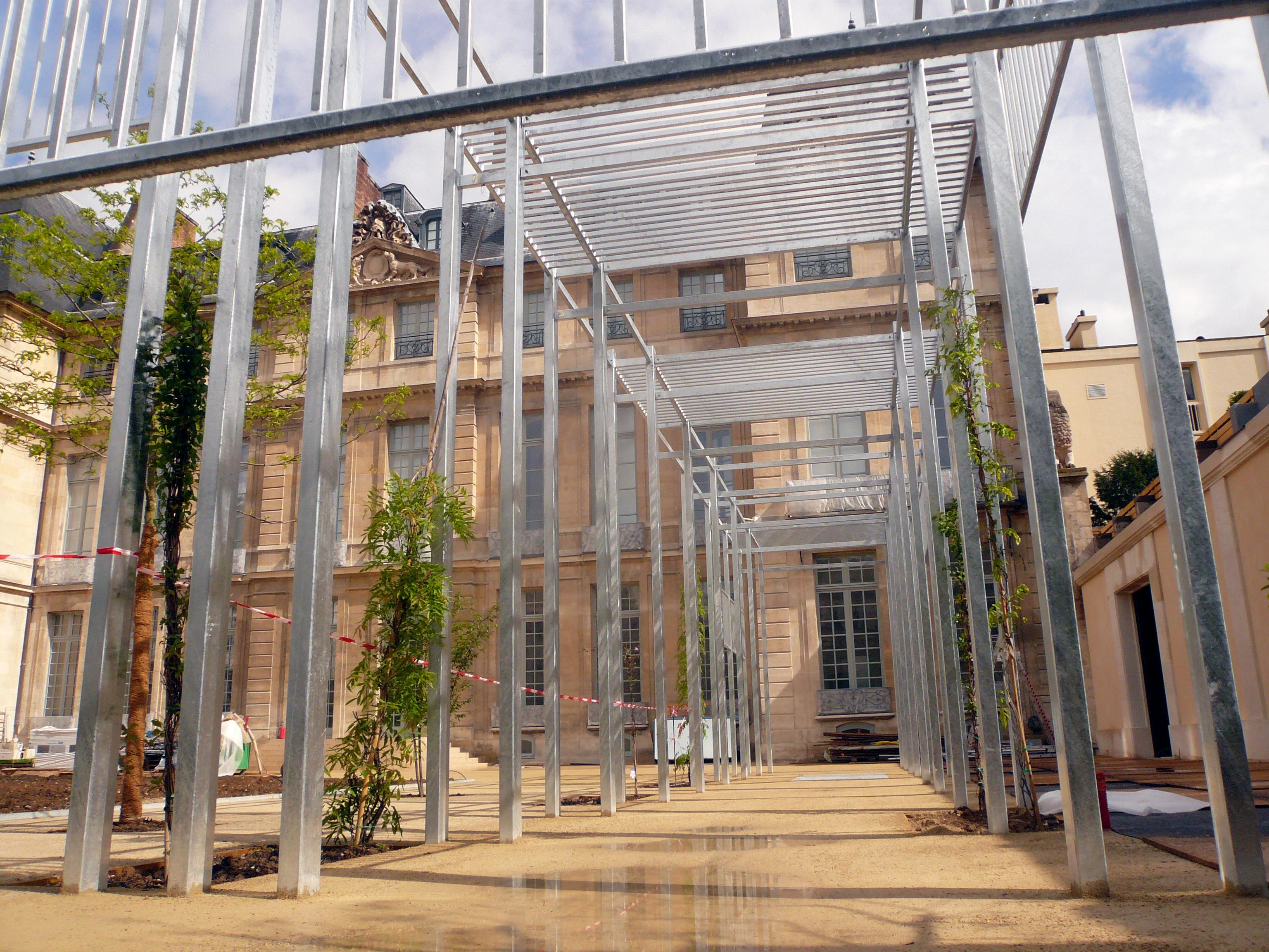 Jardin avec pergola bois - Toile jardin castorama brest ...
