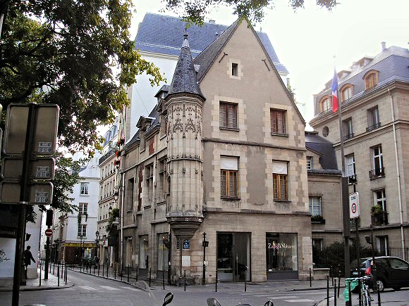 Vivre Le Marais  Vivre Paris Centre    L U0026 39 H U00f4tel H U00e9rouet Rue