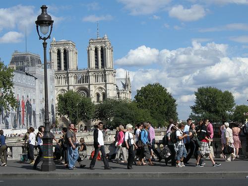 Paris-notre-dame-touriste-