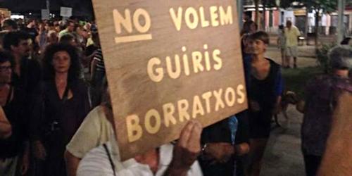 Manifestation-contre-les-touristes-a-Barcelone-1280-640