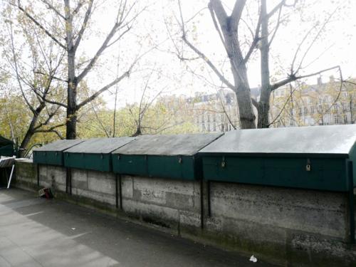 Bouquinistes coffres fermés 21 04 16
