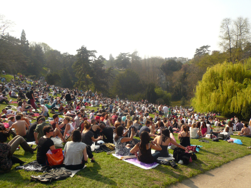 Buttes chaumont pelouse 25 03 12