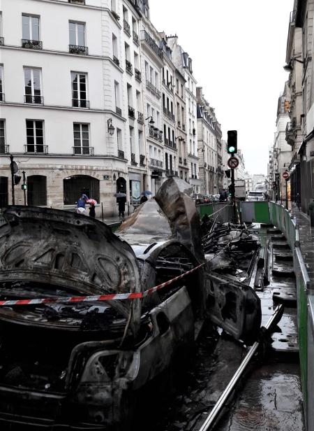 Vieille du t 129 véhicules incendiés 06 03 17