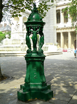 Fontaine_Wallace_St-Sulpice_00[1]