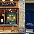 Jolie boutique et belle porte