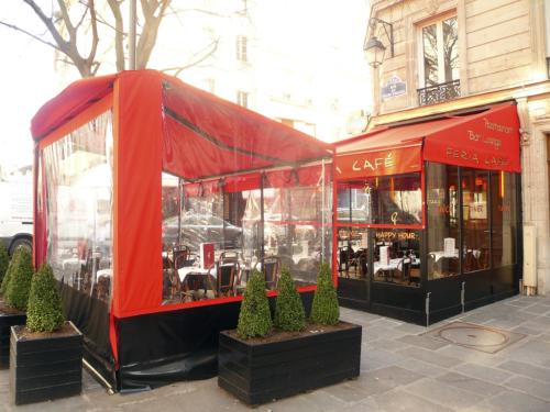 Bourg tibourg café féria