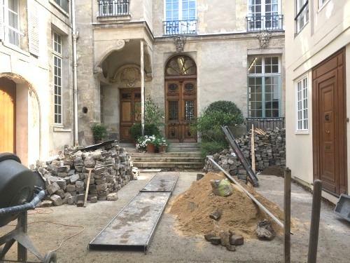 Francs-bourgeois 34 cour pavée travaux 08 06 19