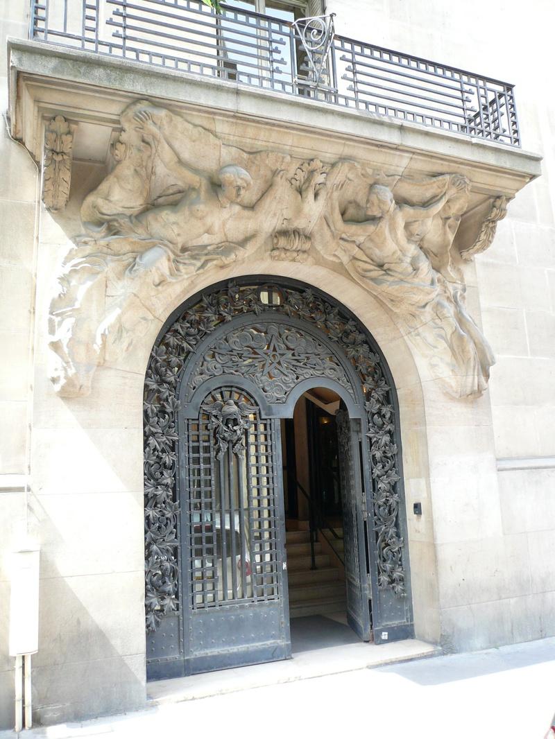 France_telecom_archives_cariatides