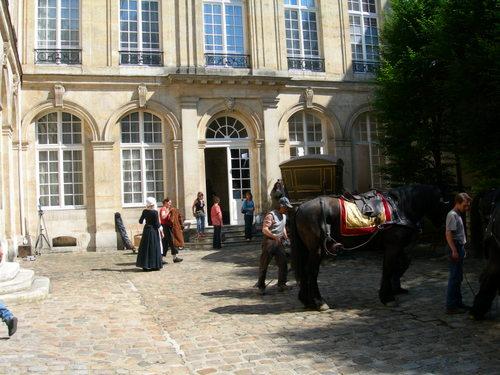 Cour pavée de l'Hôtel de Tallard