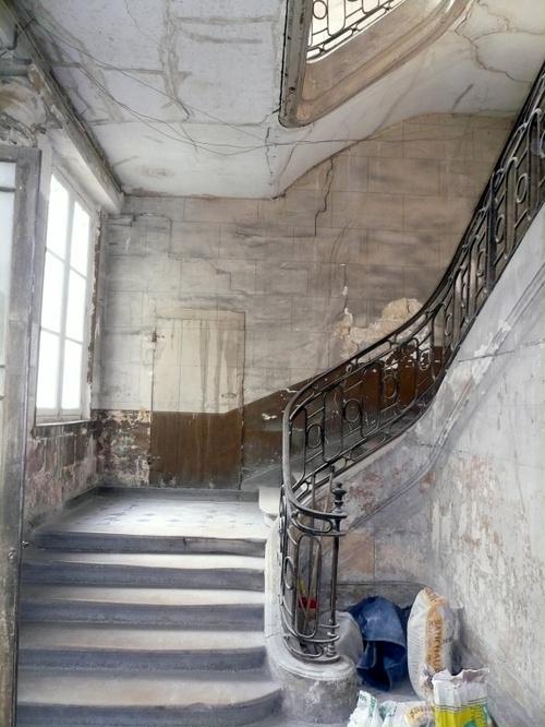 Place des Vosges, escalier
